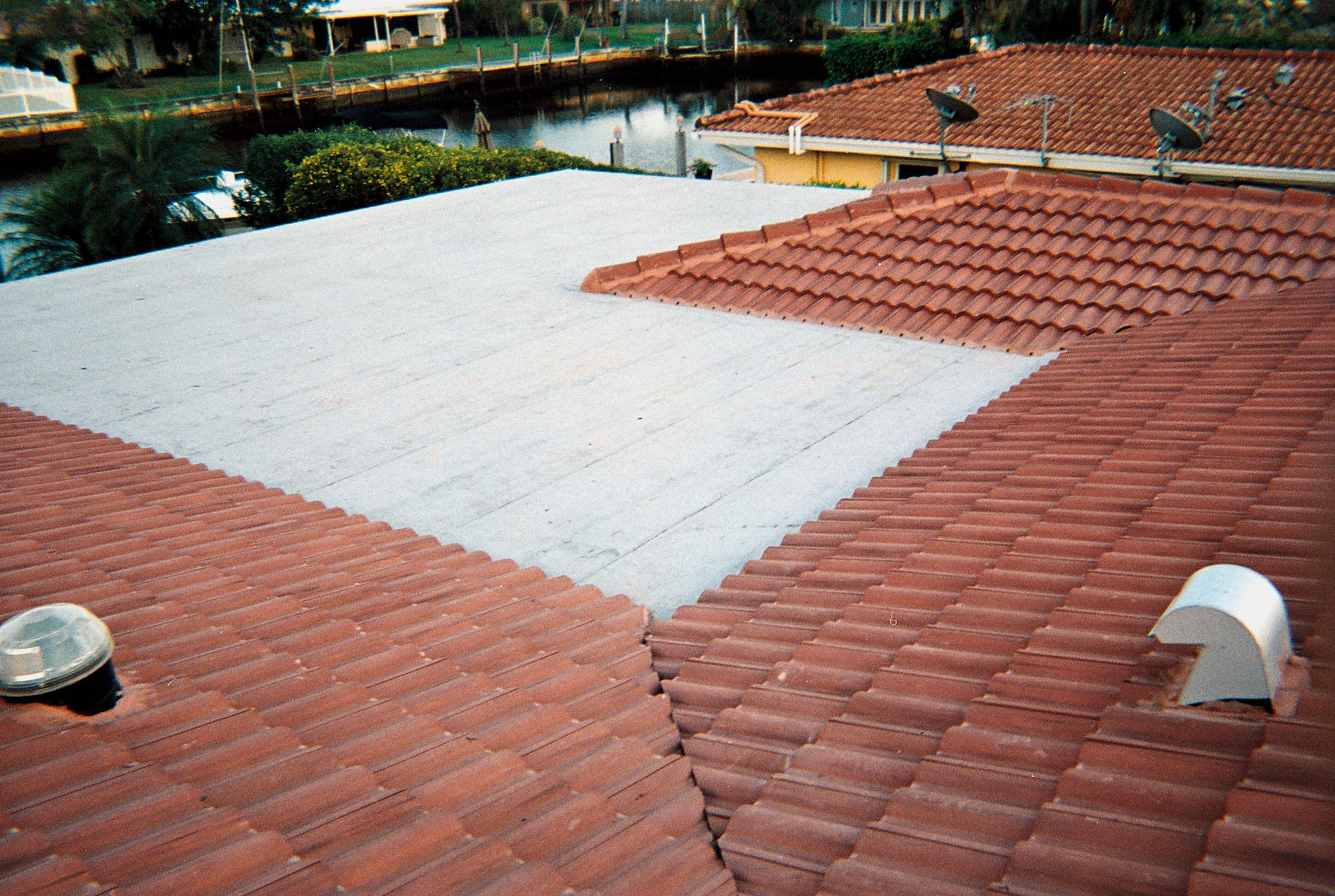 Roofing Contractor Hollywood, FL